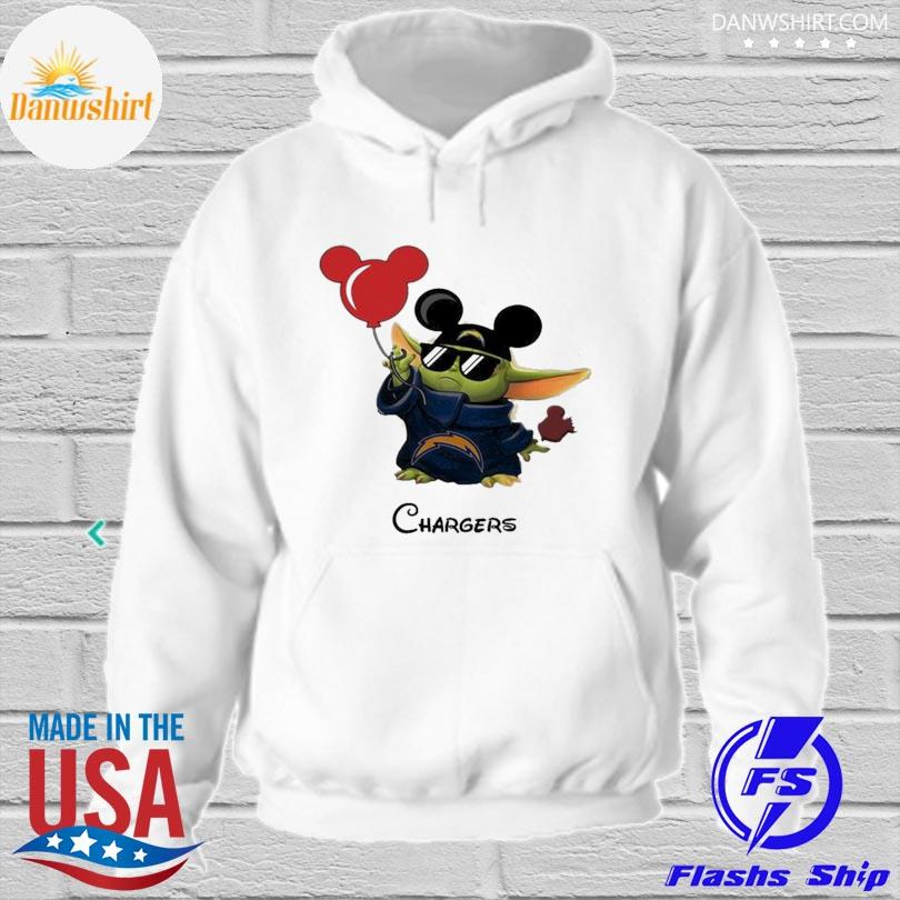 Los Angeles Chargers Baby Yoda Vacay In Disneyland Fan T Shirt hoodied