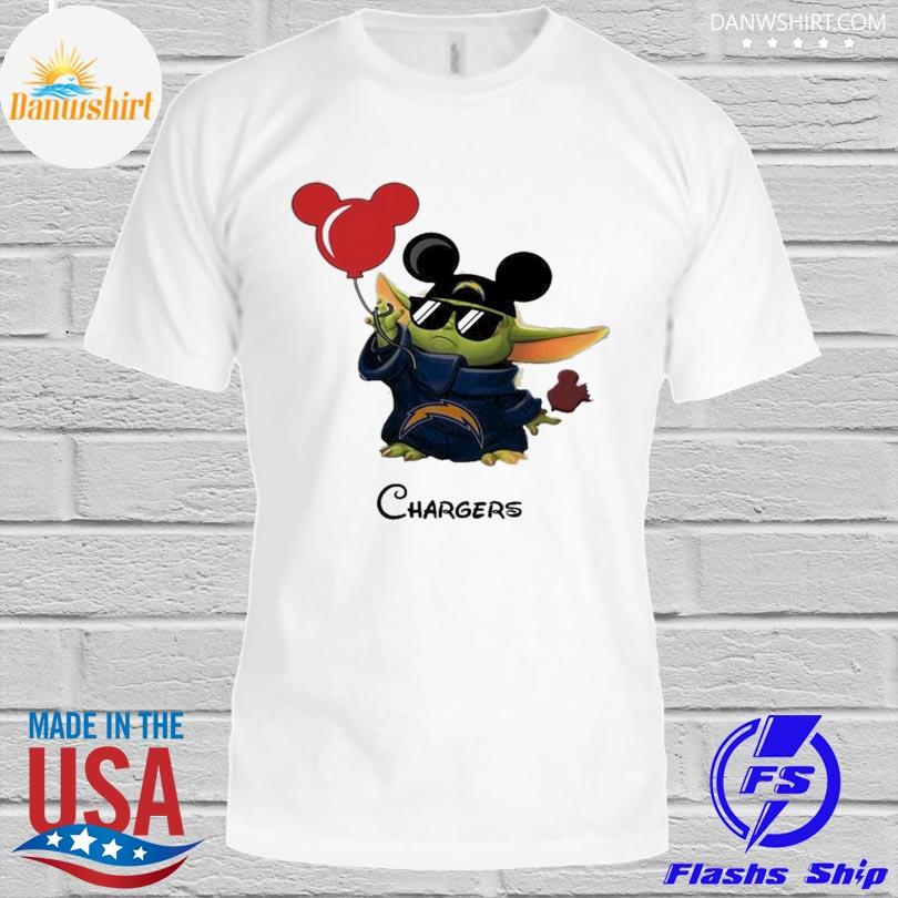Los Angeles Chargers Baby Yoda Vacay In Disneyland Fan T Shirt