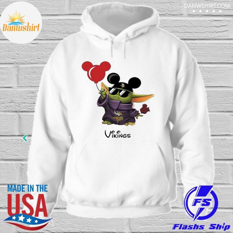 Minnesota Vikings Baby Yoda Vacay In Disneyland Fan T Shirt hoodied