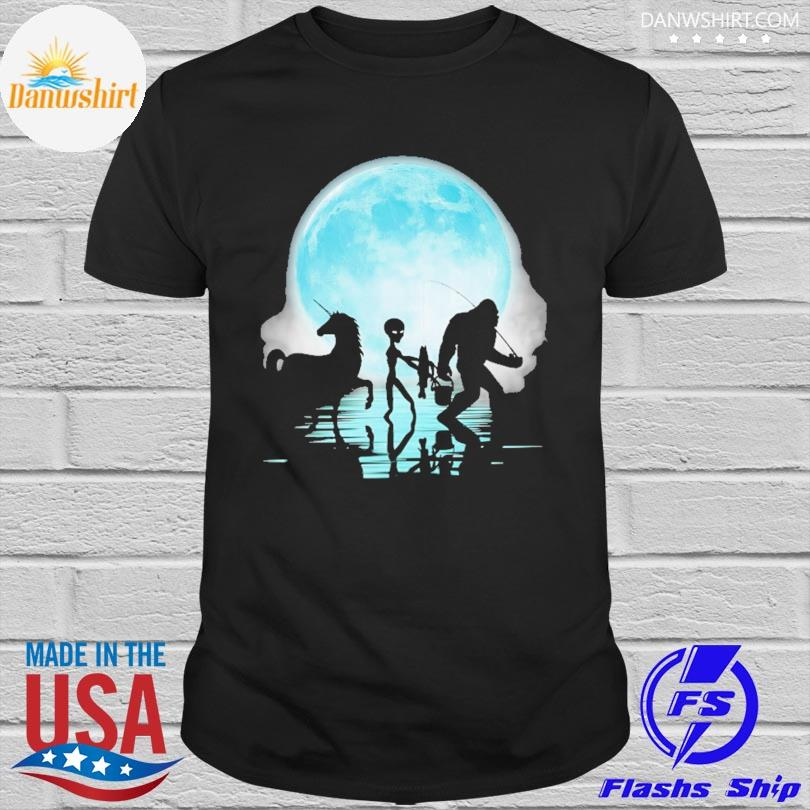 Official Bigfoot goes fishing with alien and unicorn mom shirt